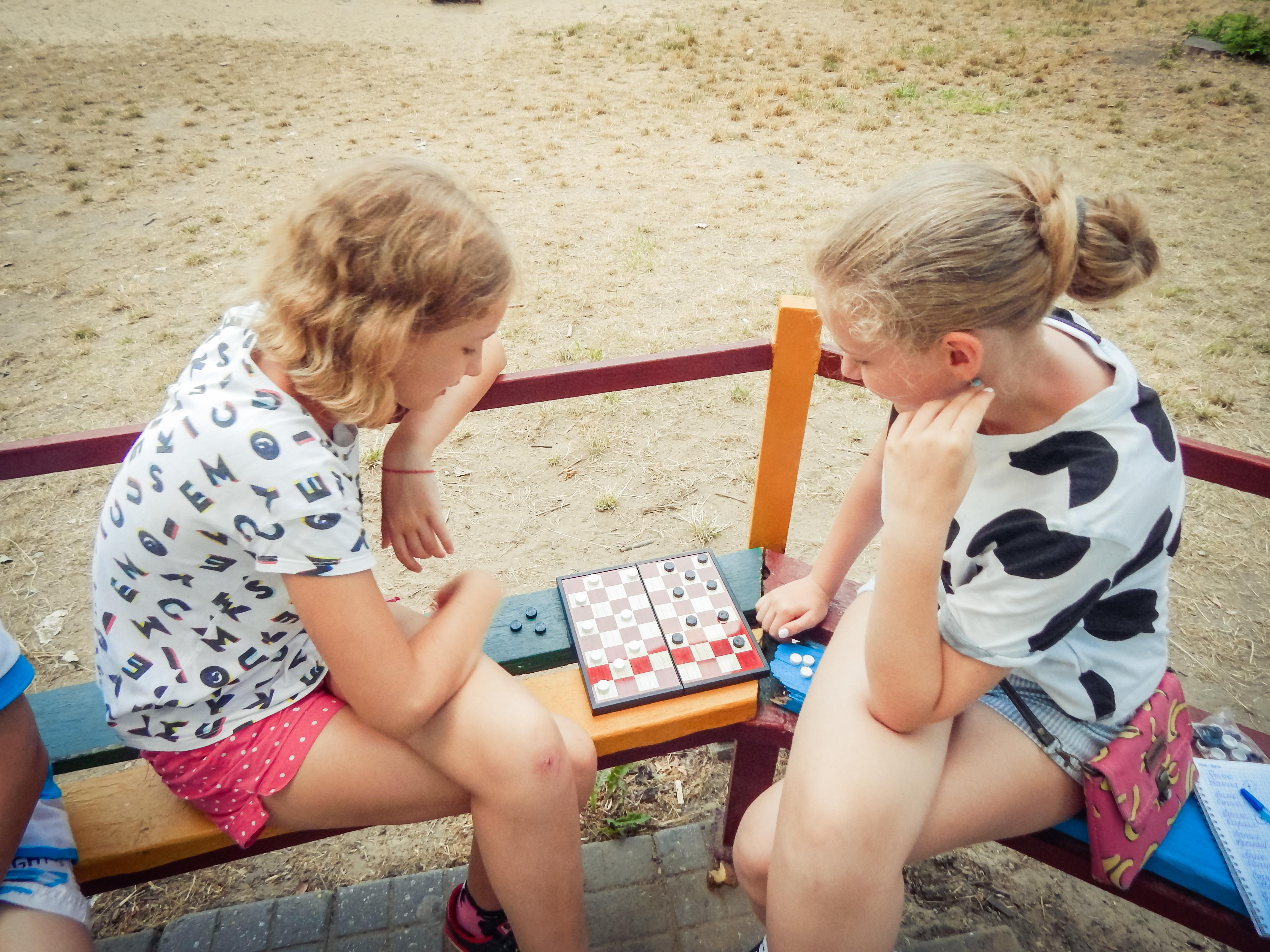 Как получить компенсацию за путевку в детский лагерь на Черном море в 2019